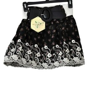 RACHAEL & CHLOE Embroidery Floral Mini Skirt